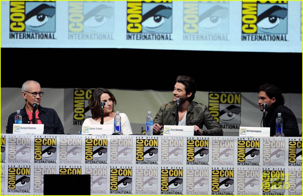 ben barnes kit harington seventh son comic con panel 14