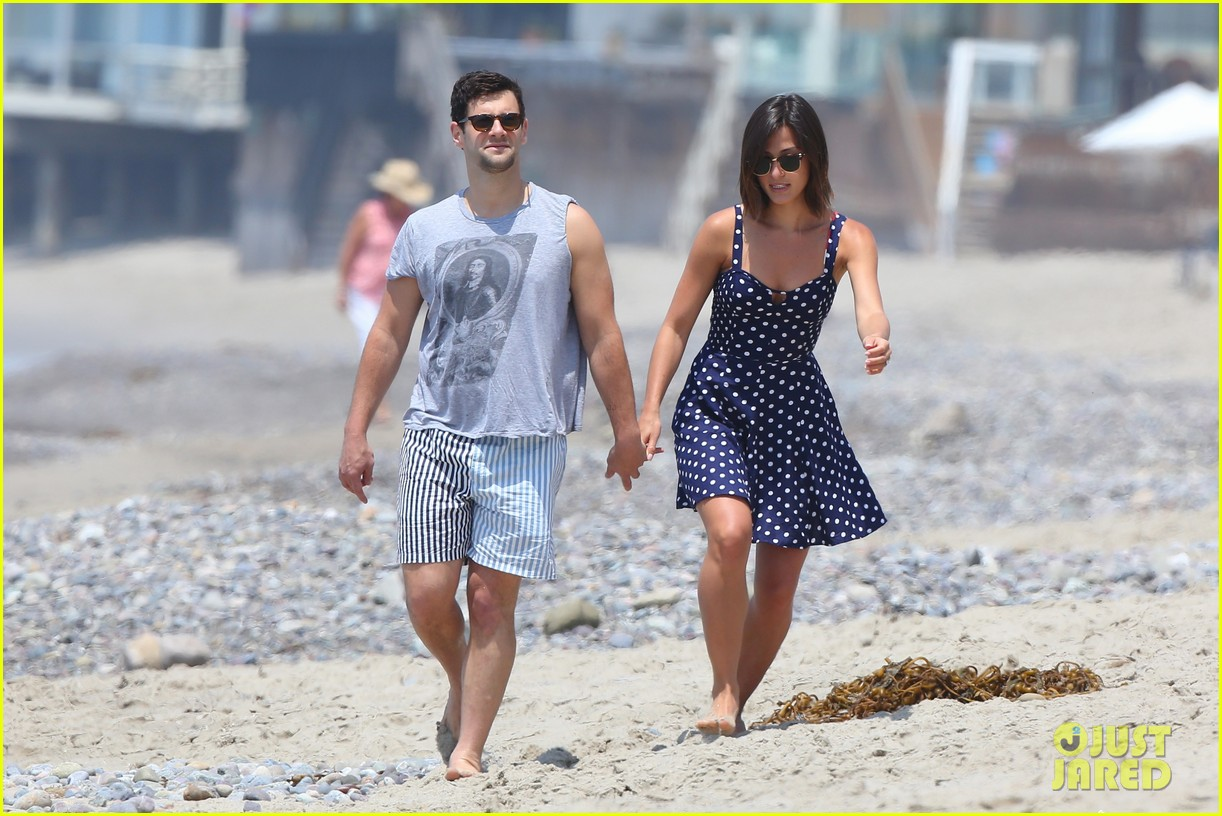 justin bartha strolls with lia smith meets up with jim toth 072904368