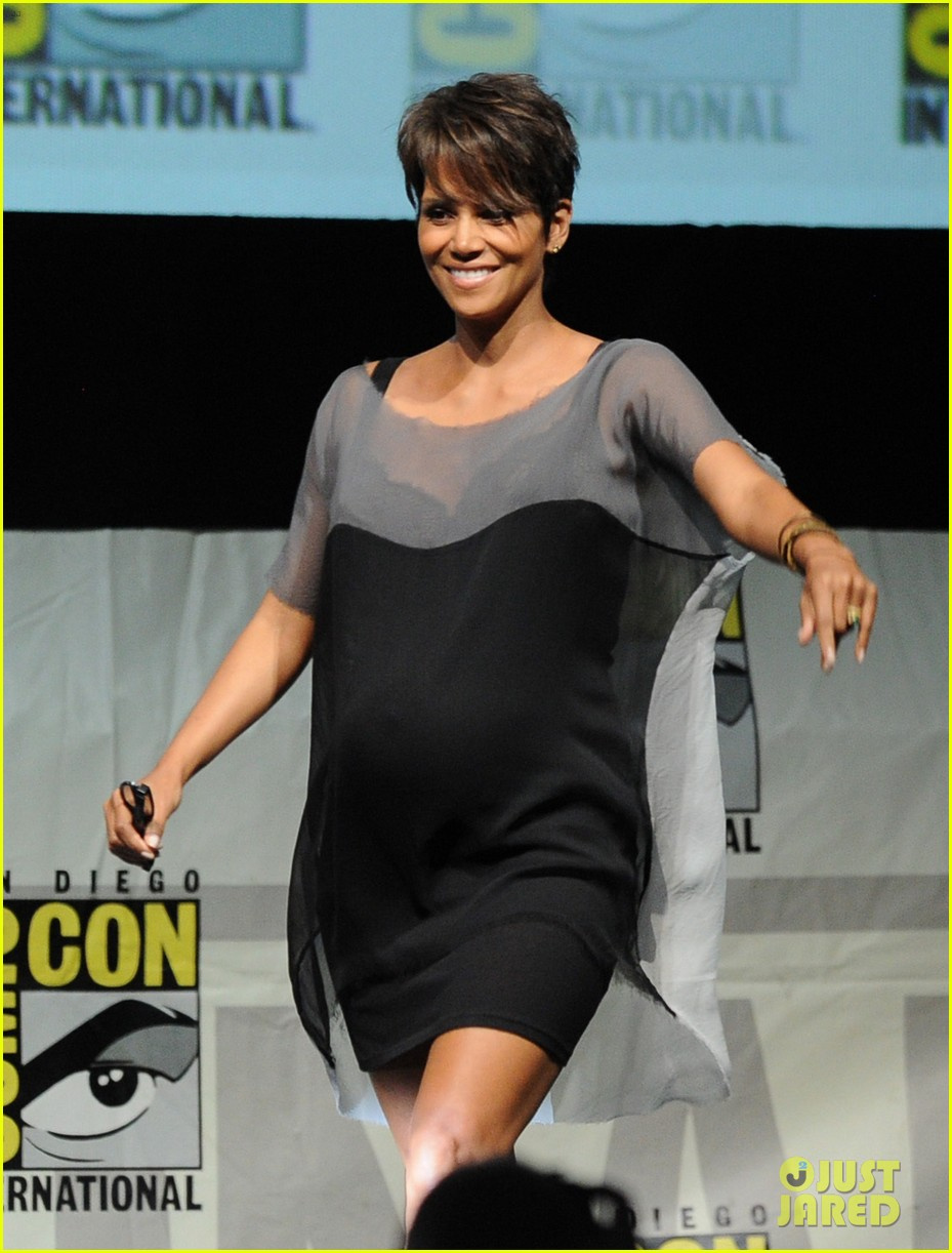 halle berry anna paquin x men panel at comic con 012913515
