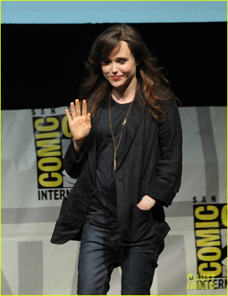 halle berry anna paquin x men panel at comic con 022913516