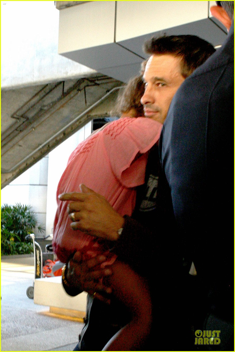 halle berry olivier martinez lax arrival after wedding 17