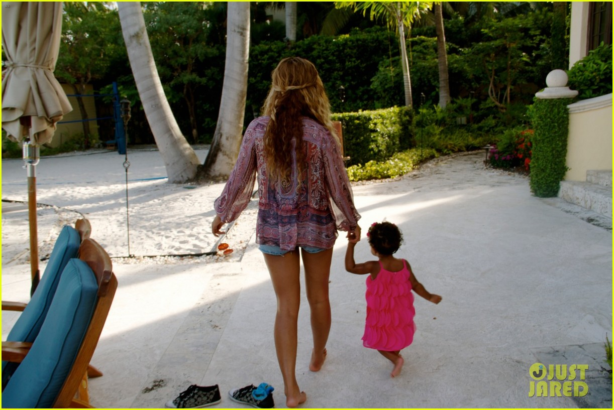beyonce shares vacation photos with blue ivy 05