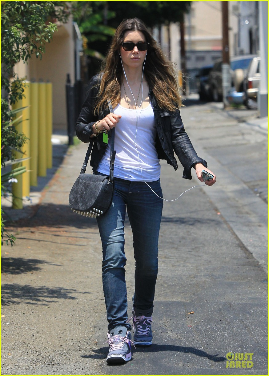 jessica biel summer leather love 112902313