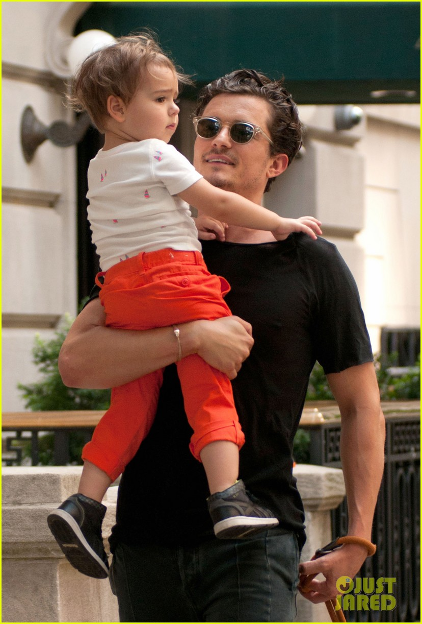 orlando bloom daddy day out with flynn 13