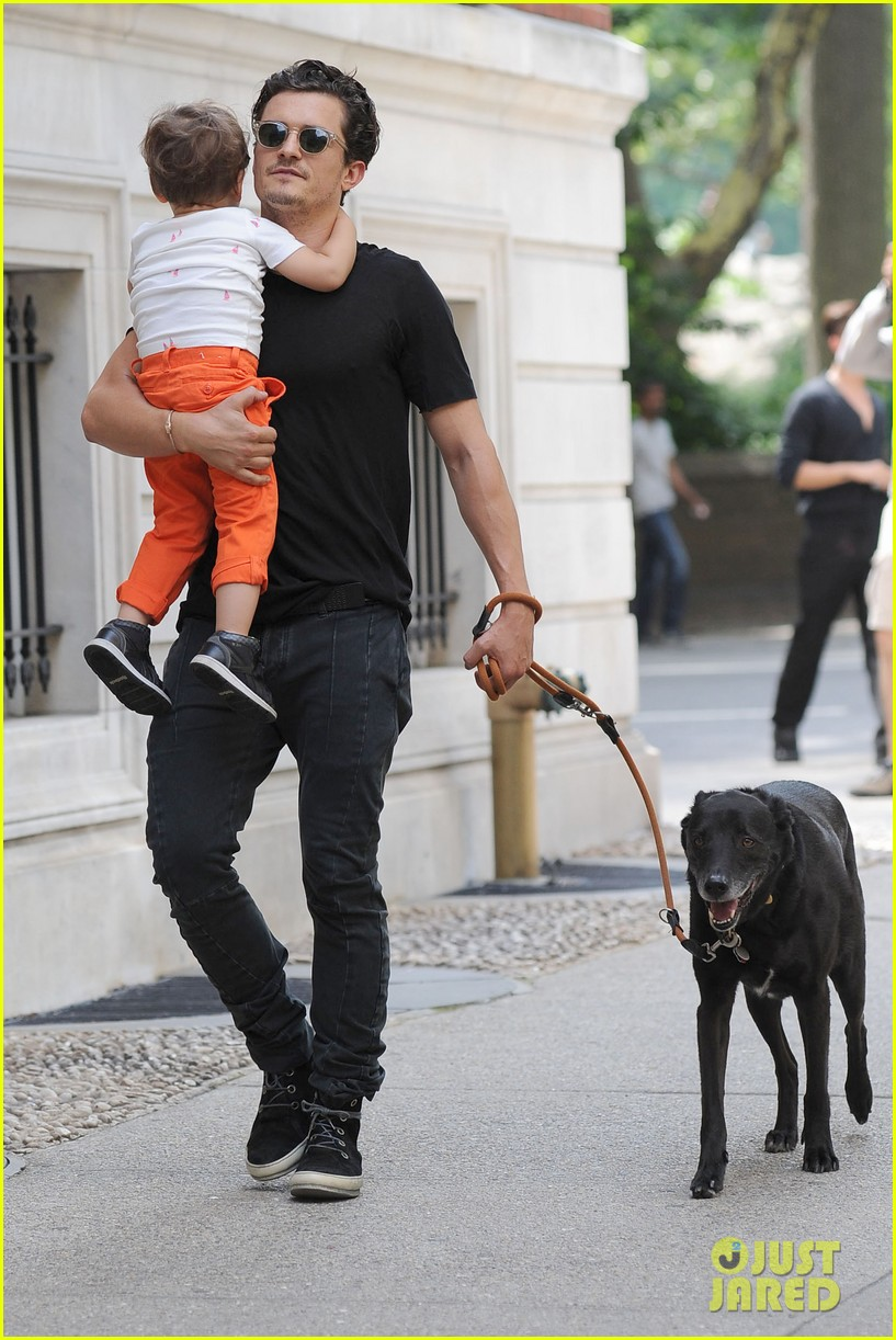 orlando bloom daddy day out with flynn 152905613