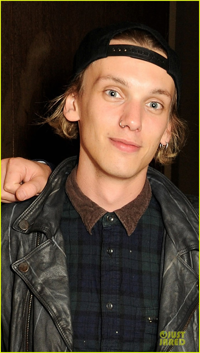 jamie campbell bower a curious night at the theatre after party 05