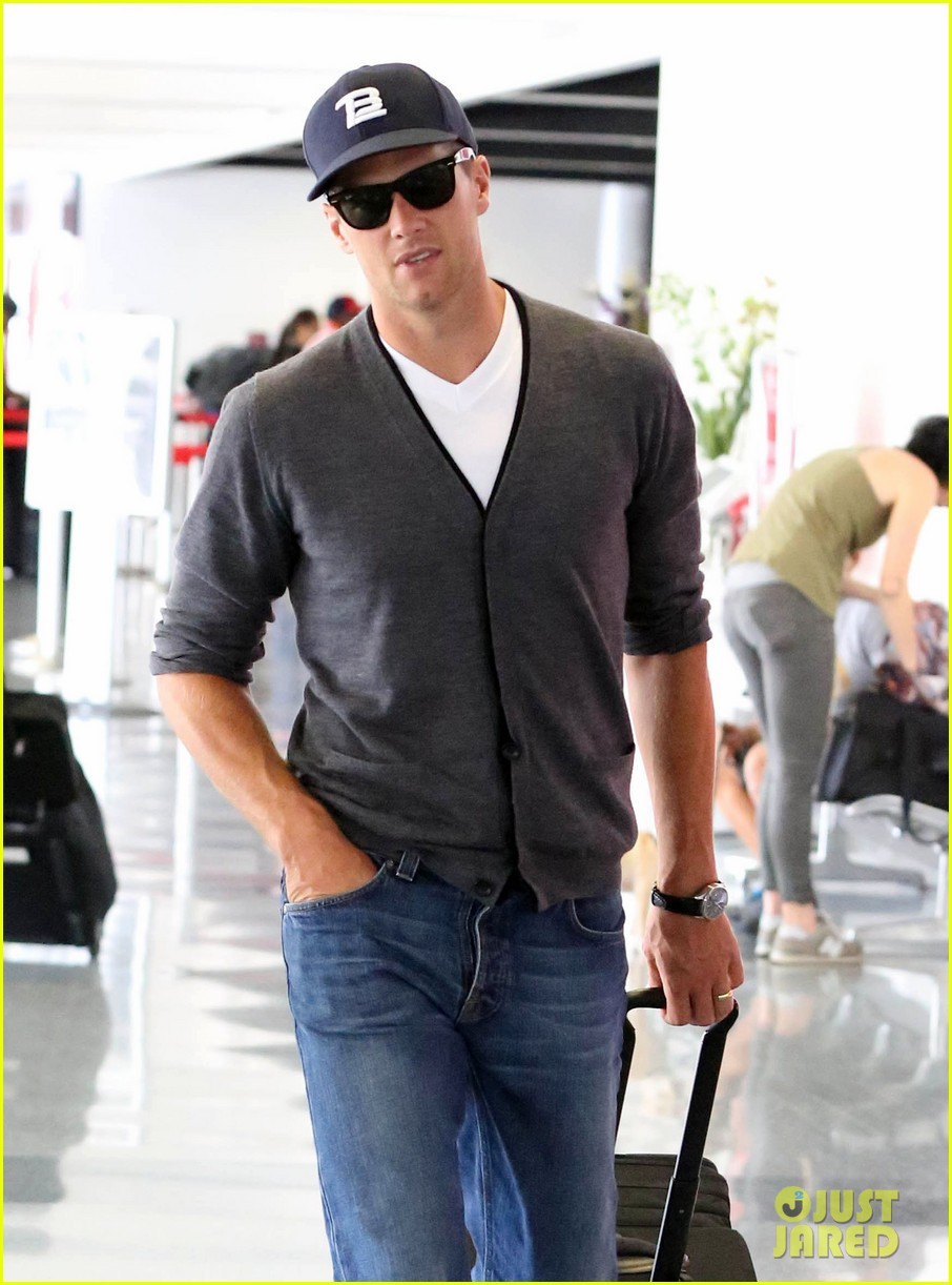 tom brady solo lax departure 042913768