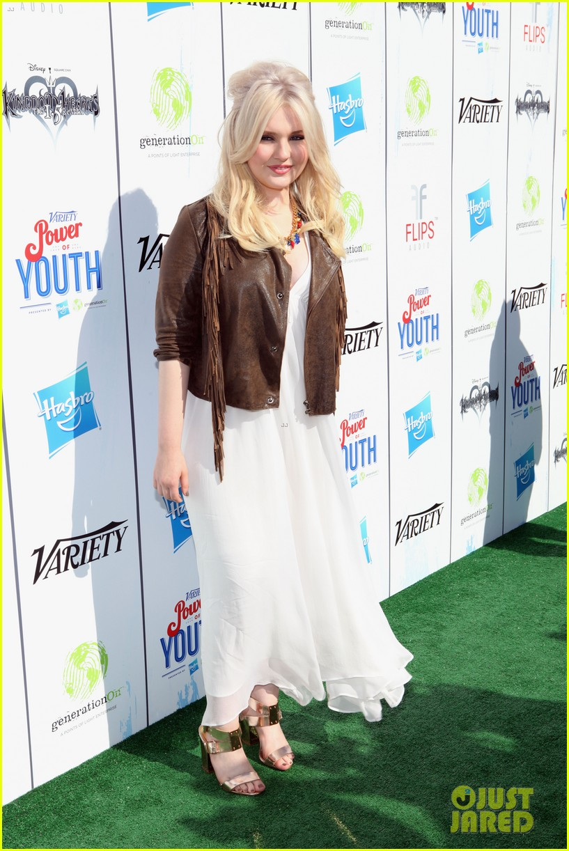 abigail breslin quvenzhane wallis power of youth 2013 15