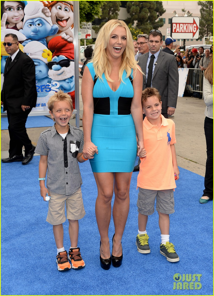 britney spears smurfs 2 premiere with sean preston jayden james 042918769