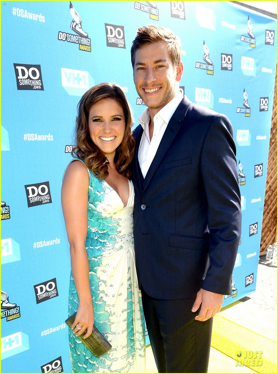 Sophia Bush and DAN FREDINBURG: Do Something Awards Couple! | 2013.