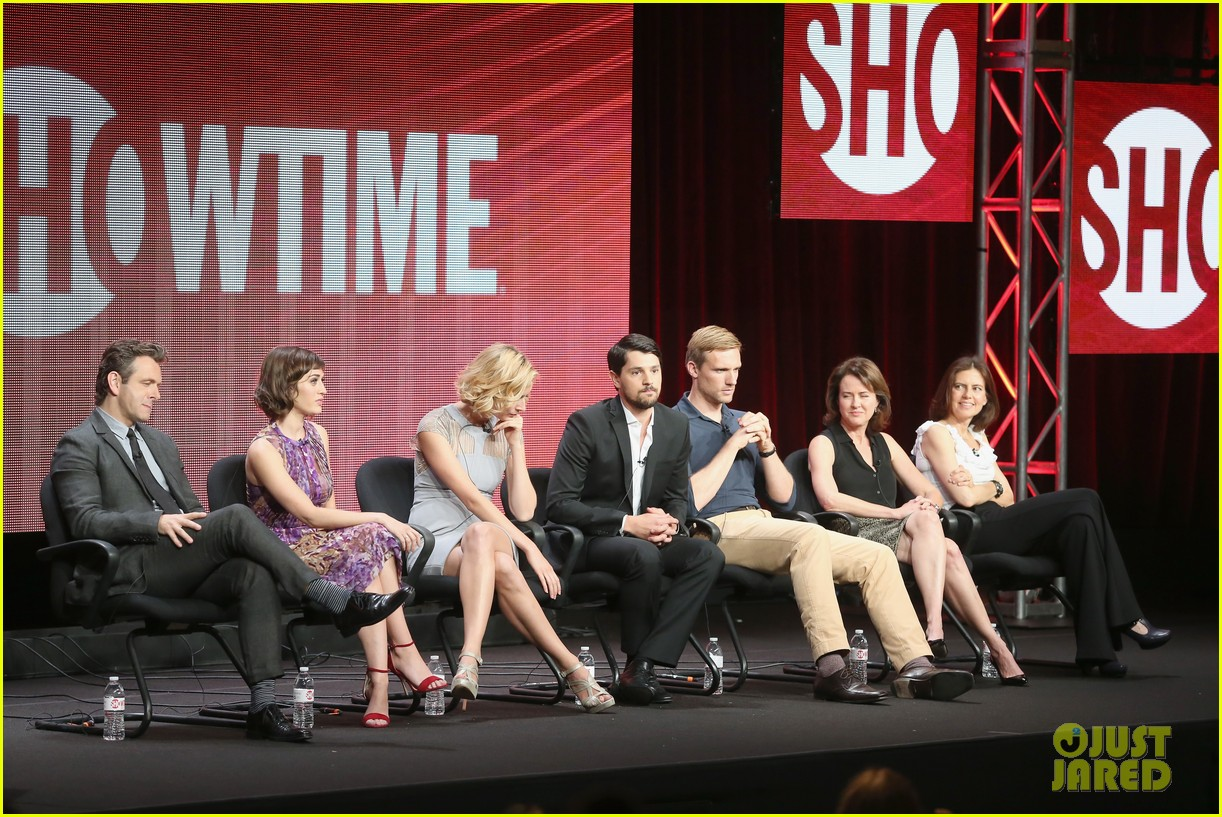 lizzy caplan michael sheen masters of sex tca tour panel 03