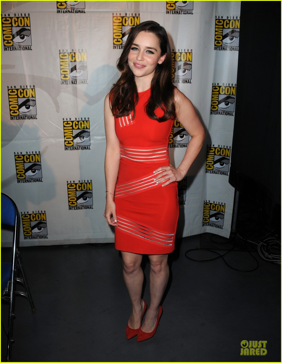 emilia clarke kit harrington game of thrones panel at comic con 012912666