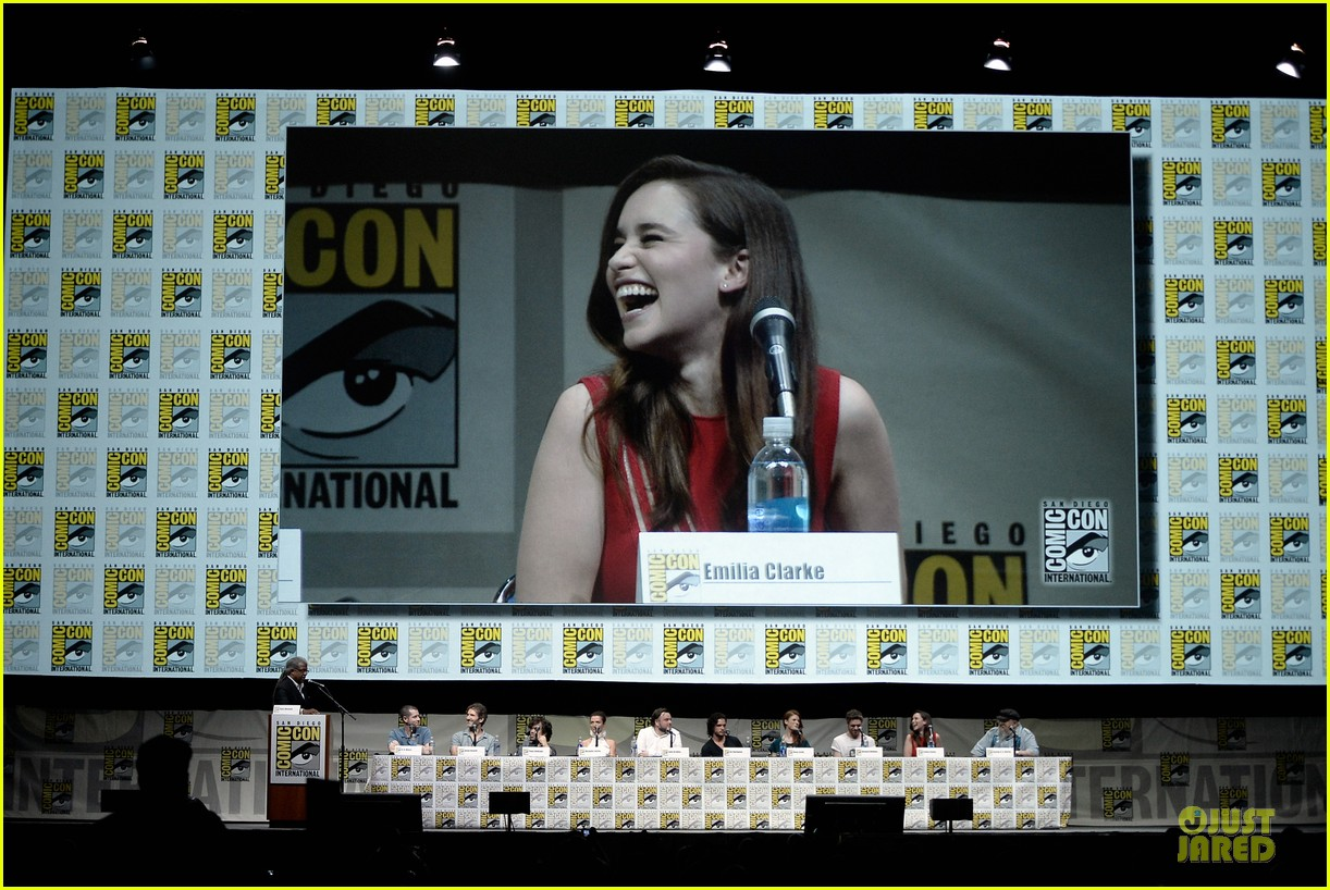 emilia clarke kit harrington game of thrones panel at comic con 082912673