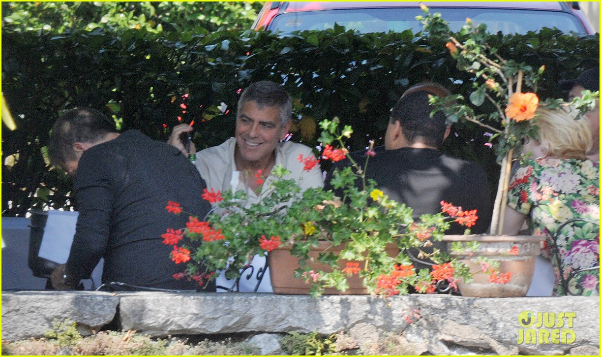 george clooney seen smiling after stacy keibler split 032907227