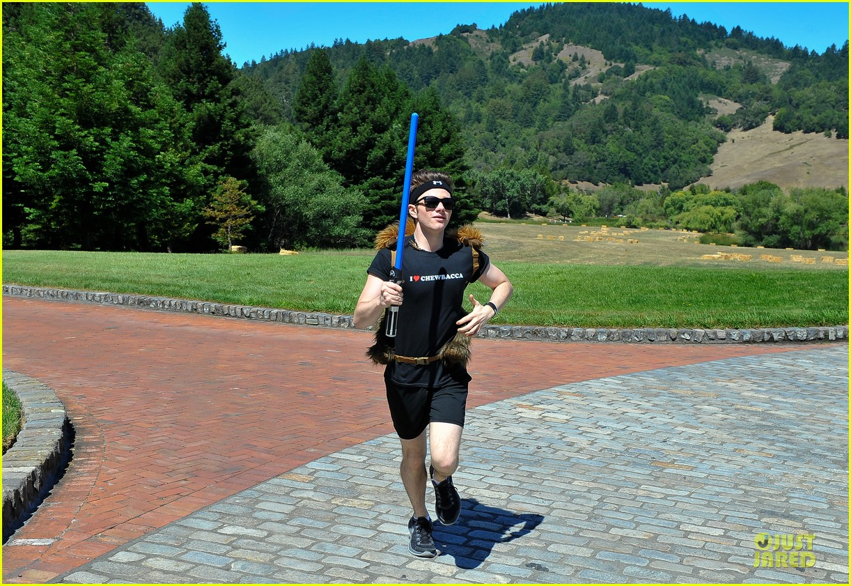 chris colfer alyson hannigan course of the force relay 06