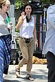 courteney cox seann william scott prep for day of filming 11