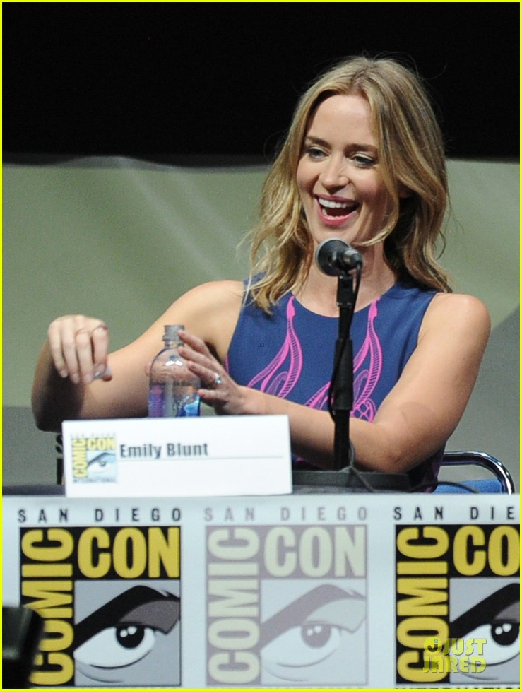 tom cruise emily blunt edge of tomorrow at comic con 13