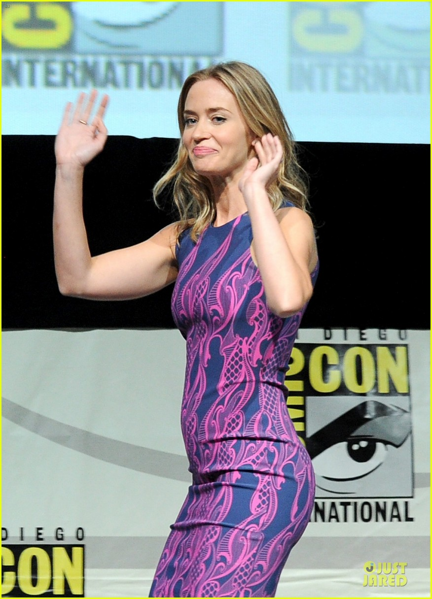 tom cruise emily blunt edge of tomorrow at comic con 15