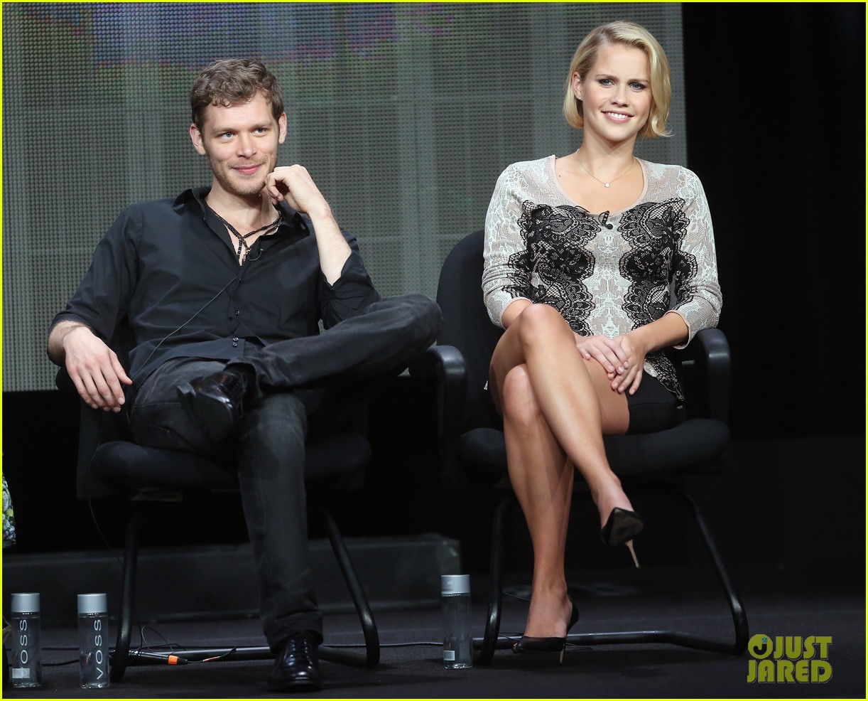 robbie amell joseph morgan thw cw at tca 2013 20