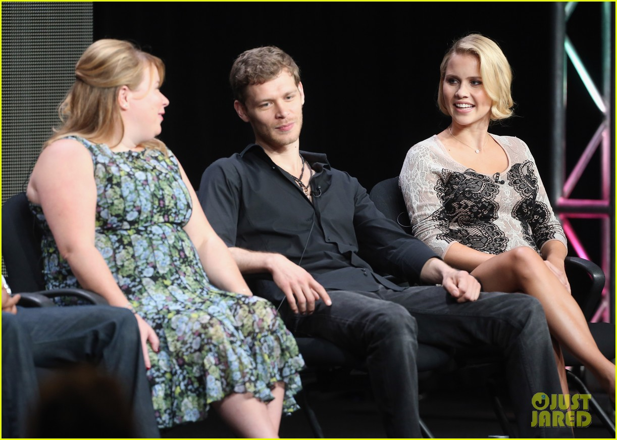 robbie amell joseph morgan thw cw at tca 2013 21