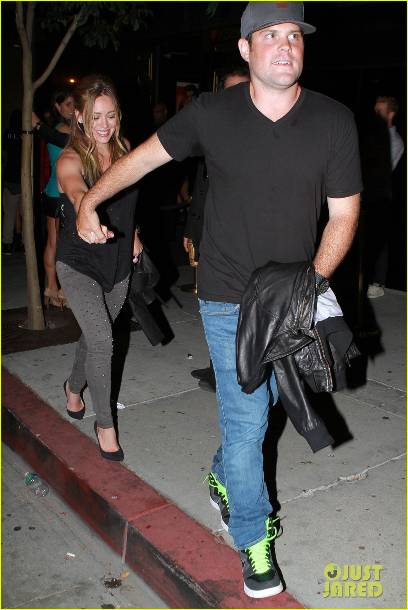 hilary duff bootsy bellows babe with mike comrie 01