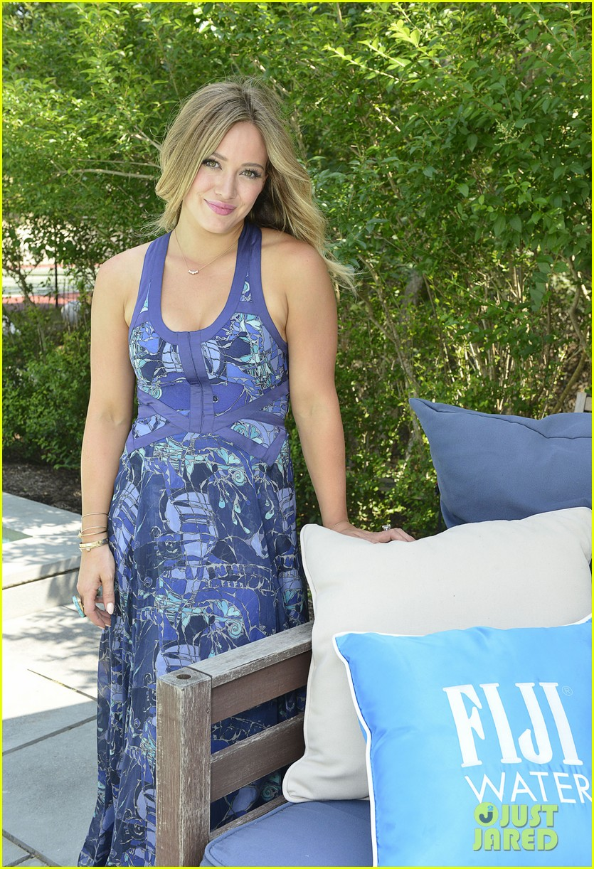 hilary duff fiji water days of summer host 07