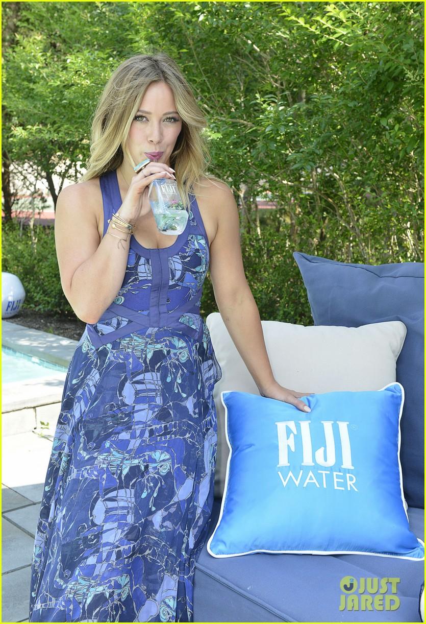 hilary duff fiji water days of summer host 10