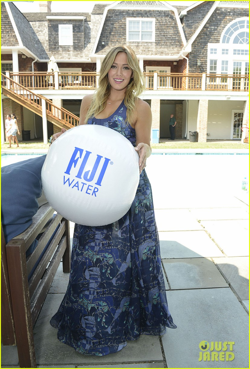 hilary duff fiji water days of summer host 162913755