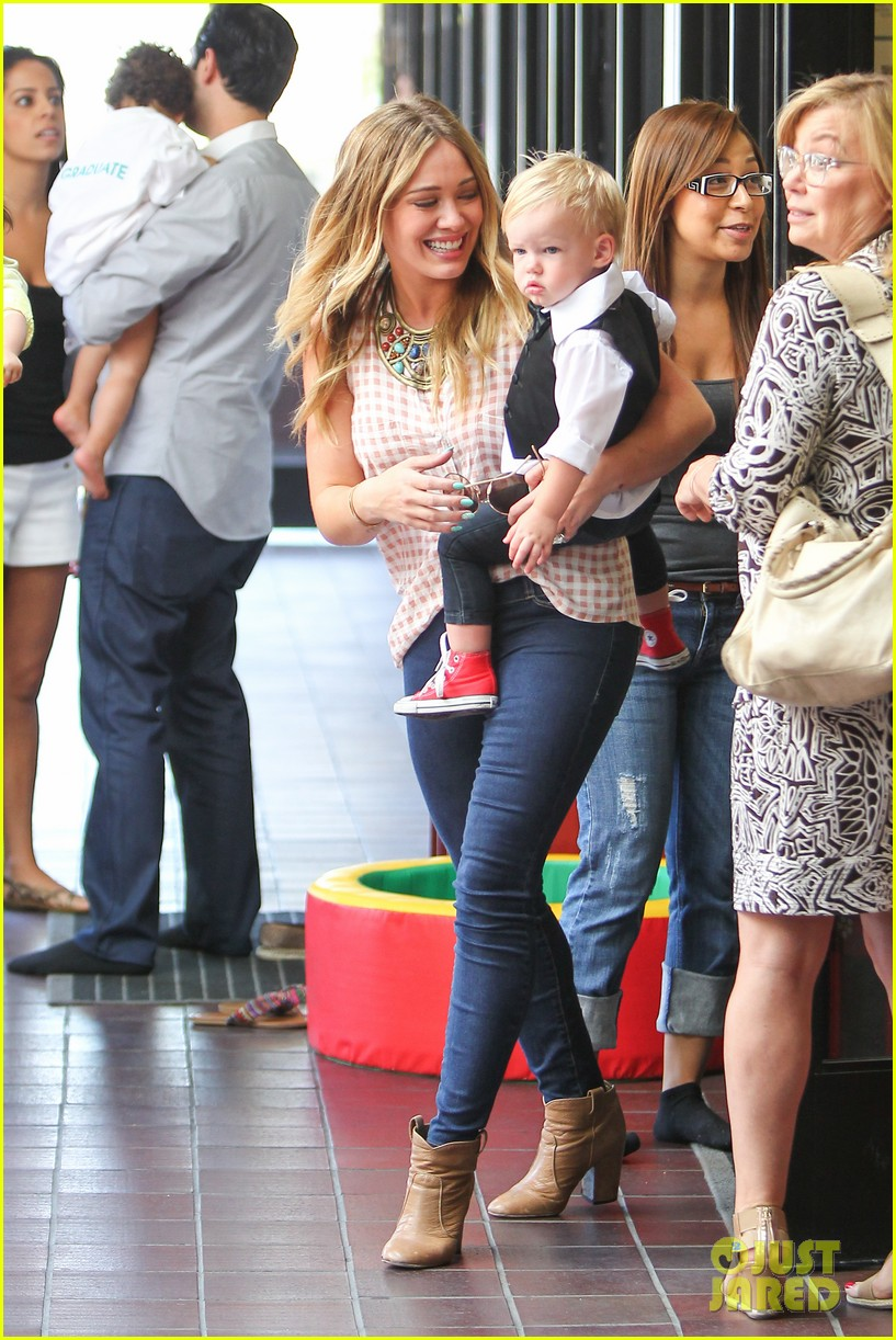 hilary duff luca graduates babies first class 17