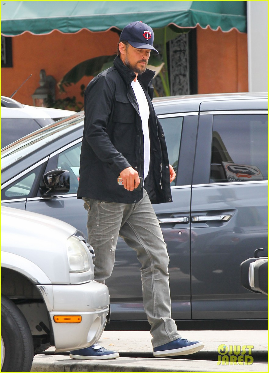 josh duhamel taking time off after baby is born 01