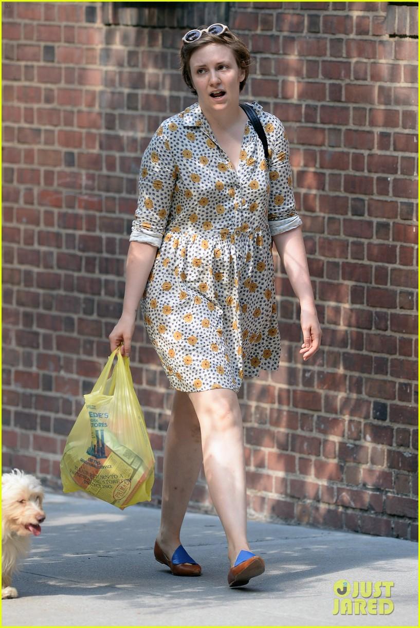 lena dunham lemonade lady 15
