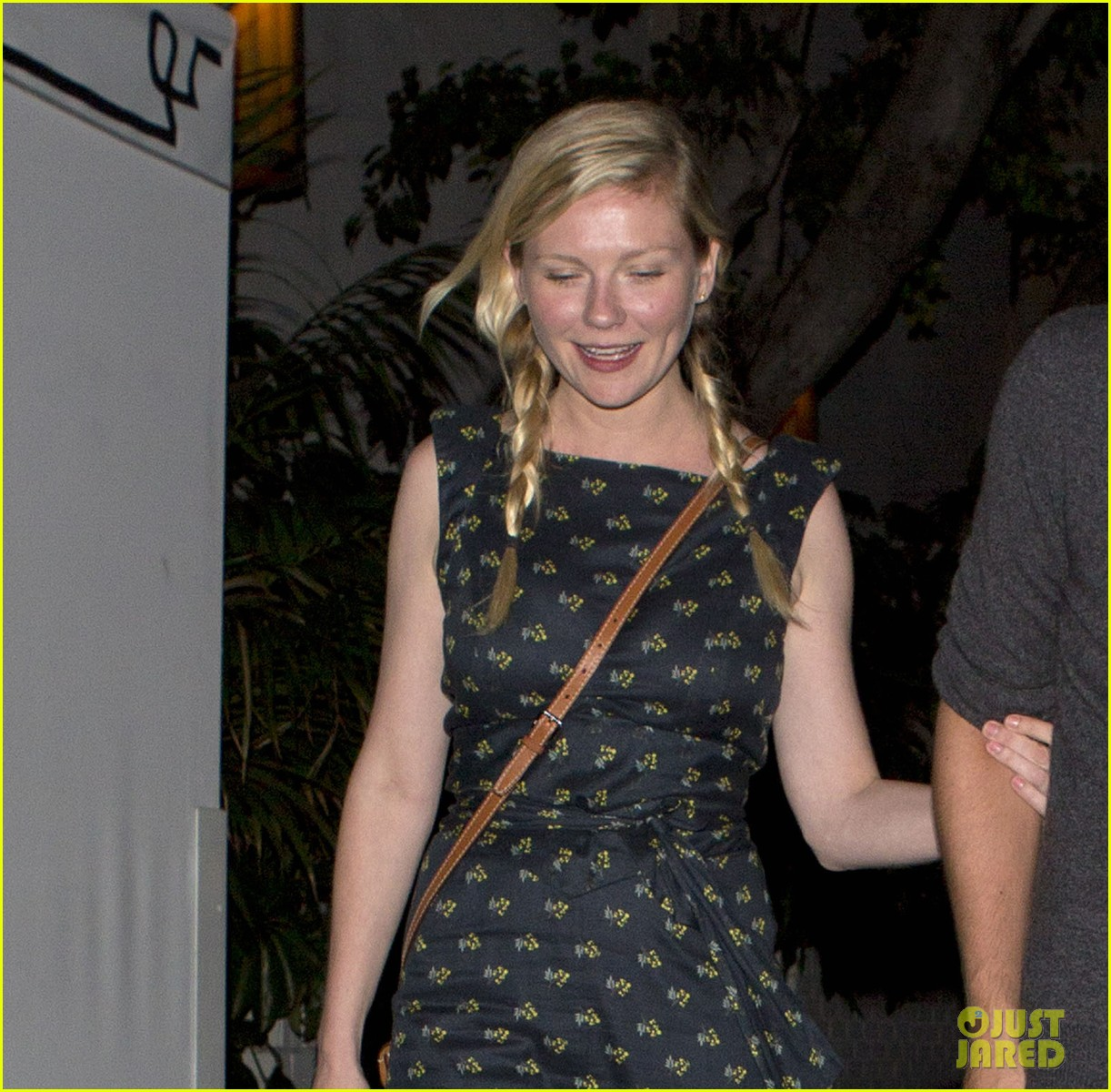kirsten dunst garrett hedlund are a date night couple 02