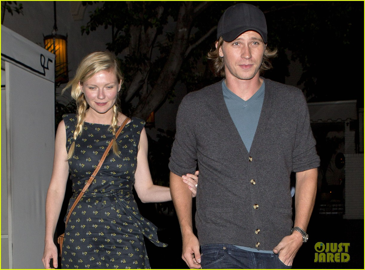kirsten dunst garrett hedlund are a date night couple 042912290