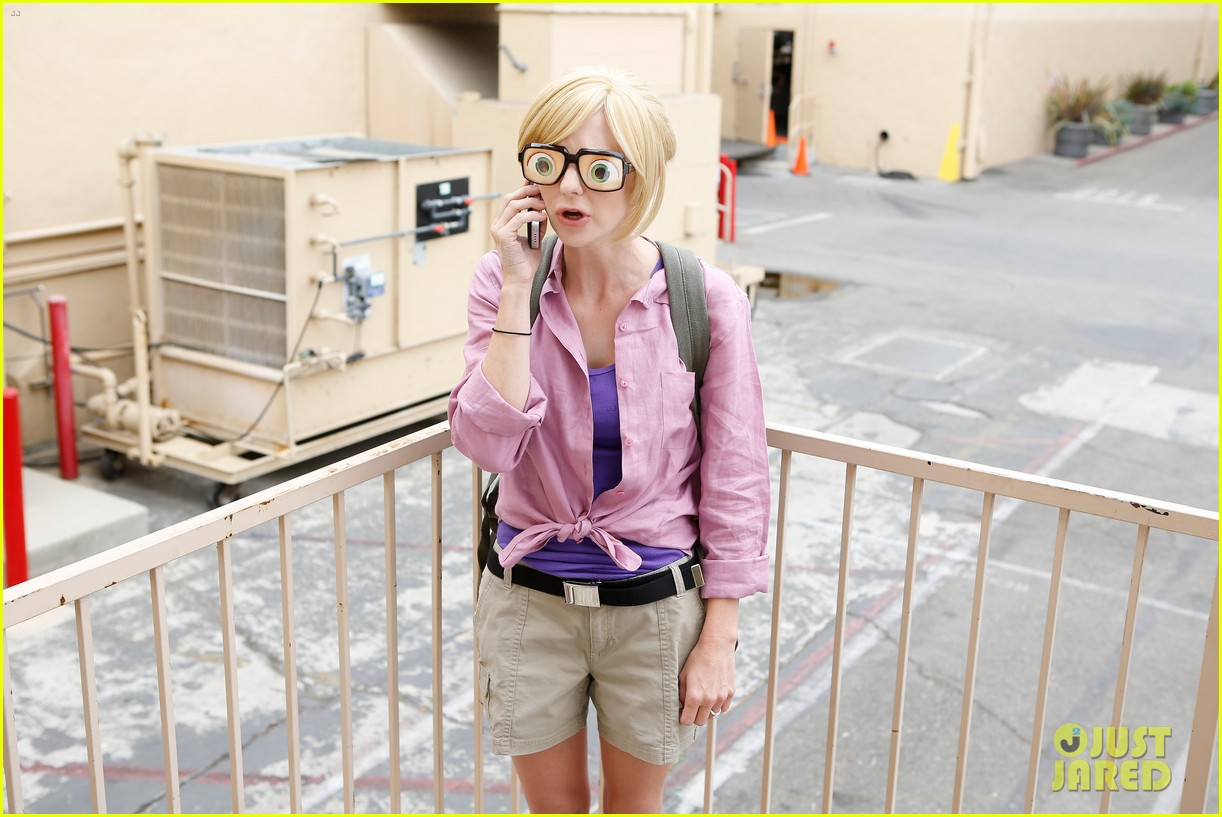 anna faris cloudy with a chance of meatballs 2 cast dress as characters exclusive photos 062911377