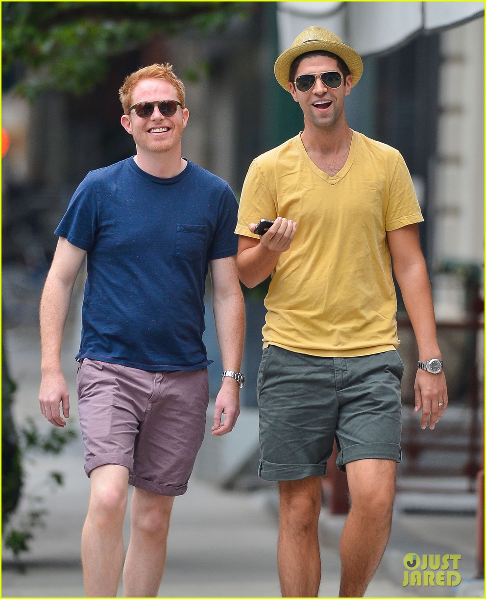 jesse tyler ferguson justin mikita newlyweds in new york 062914204