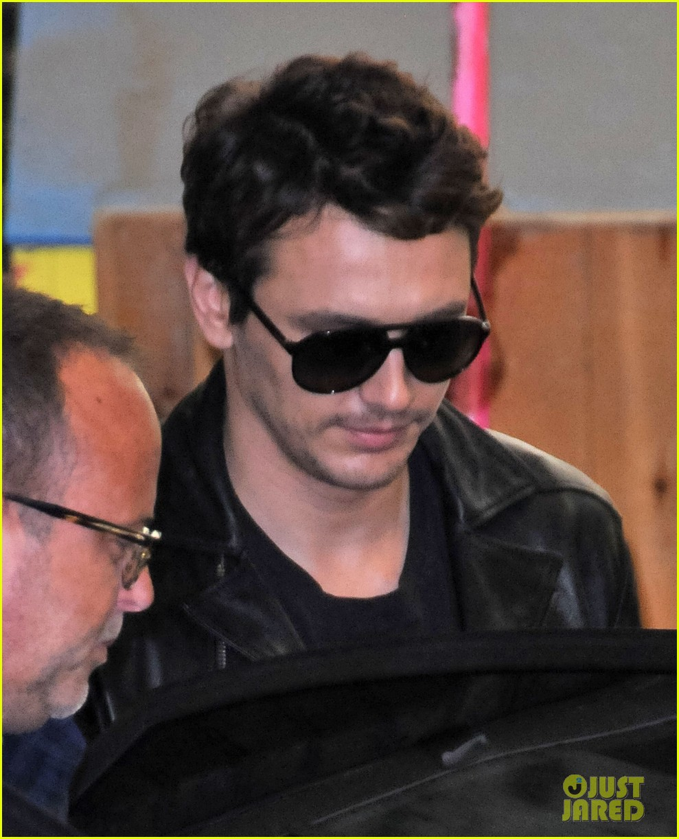 james franco shows off arms in tank top for good people 122904030