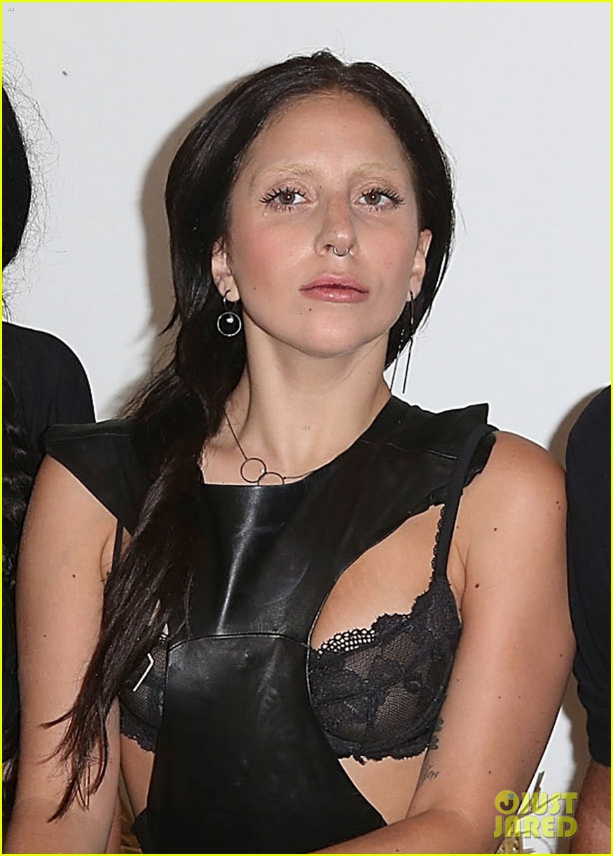 lady gaga wears nose ring to watermill center benefit 032918403
