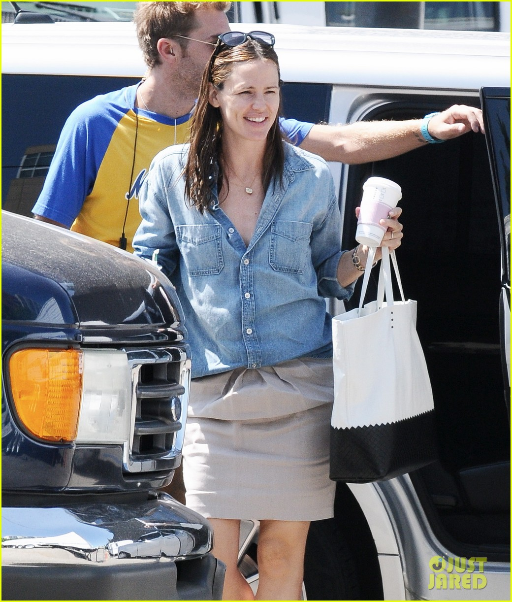jennifer garner ben affleck matt damon start new production company 022920486