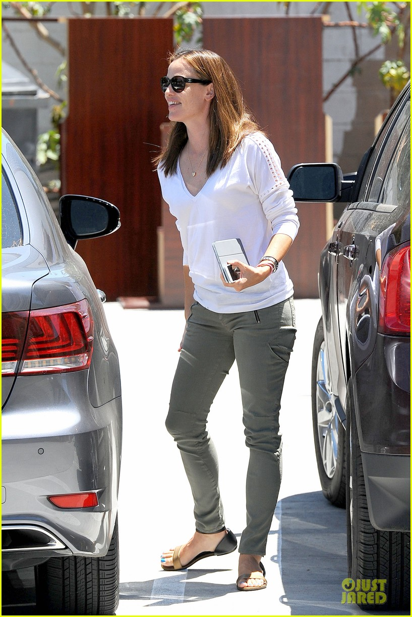 jennifer garner ben affleck lawyers office after max mara news 10