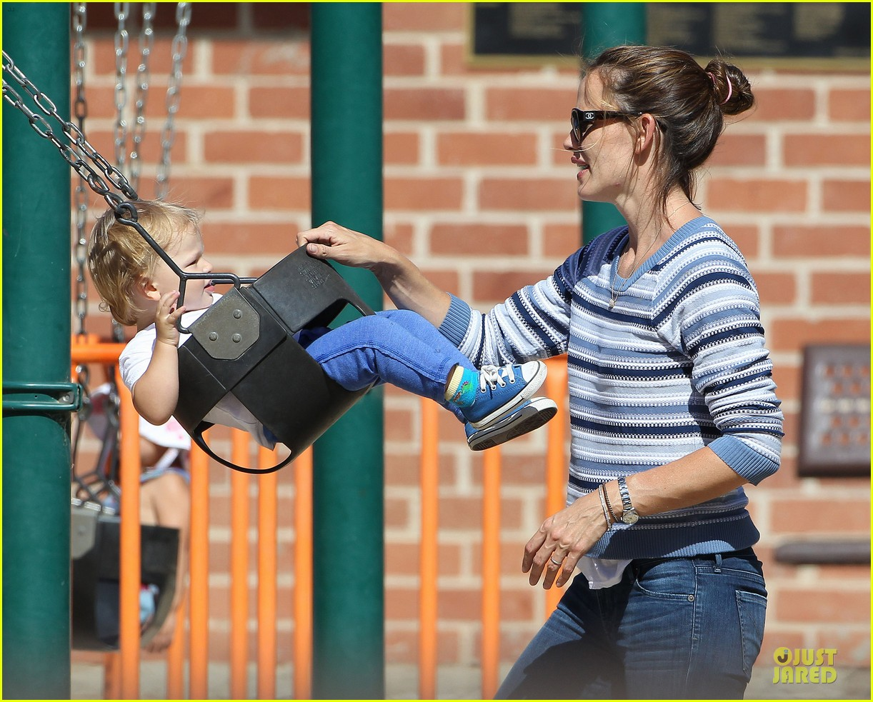 jennifer garner kids park date after jimmy kimmel wedding 182910041