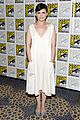 ginnifer goodwin jennifer morrison once upon  atime comic con panel 01