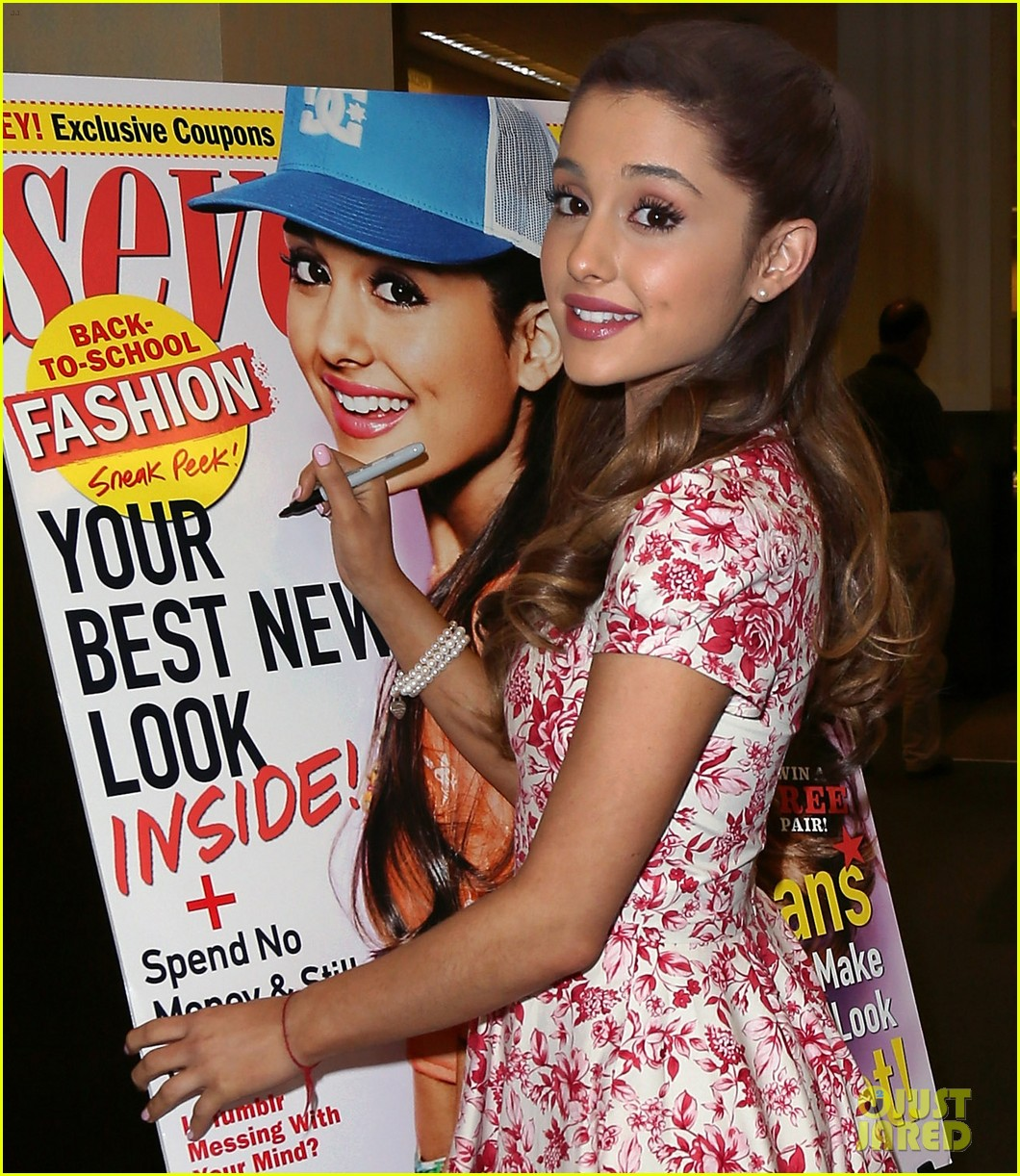 ariana grande seventeen magazine signing 04