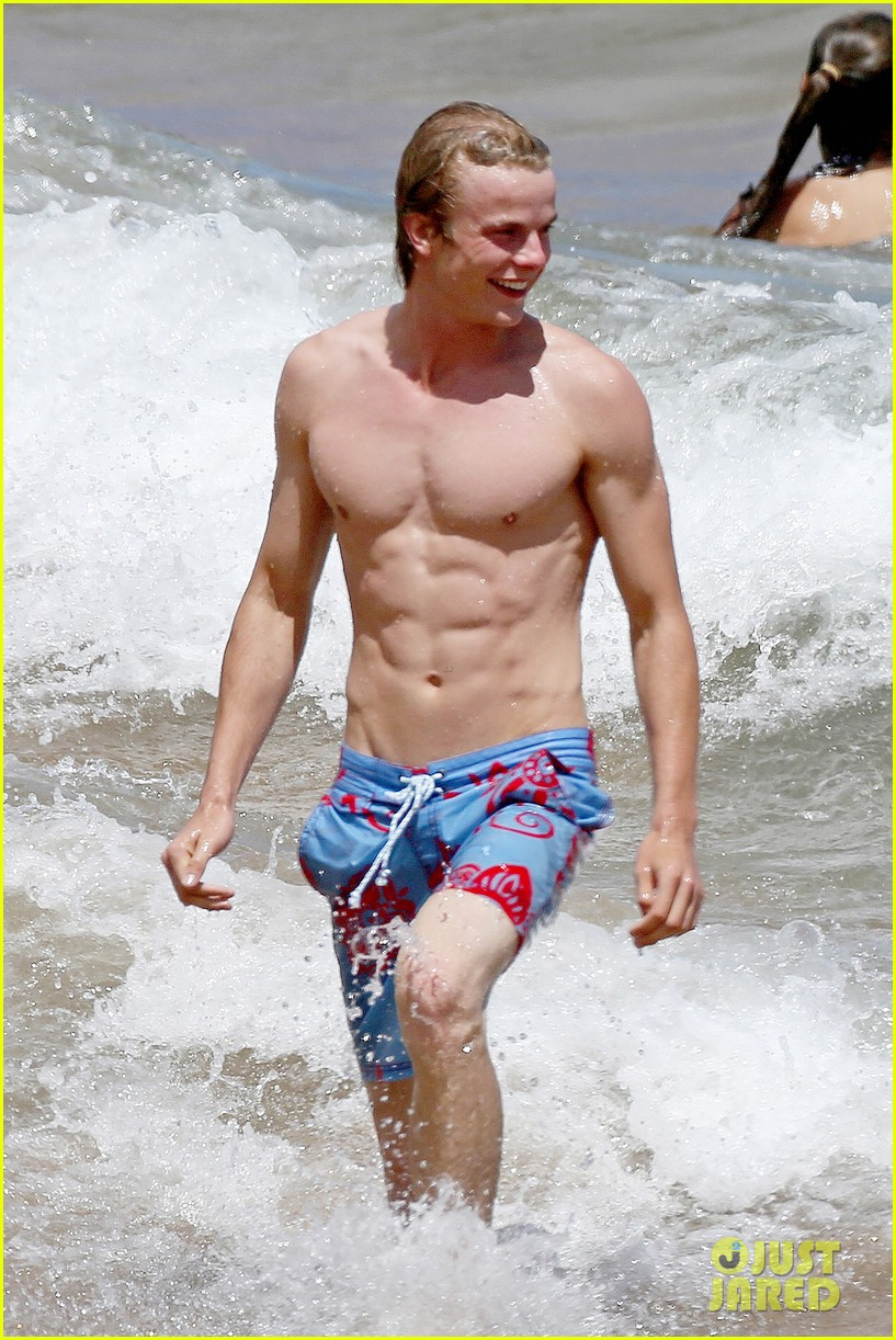 Lucy hale more beach fun with shirtless graham rogers photo lucy hale more beach fun with shirtless graham rogers photo 2902602 graham rogers lucy hale shirtless pictures just jared voltagebd Gallery