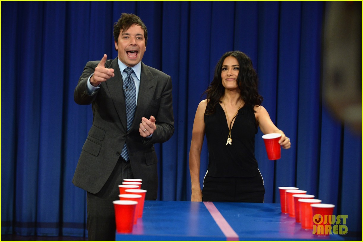salma hayek plays beer pong on late night with jimmy fallon 08