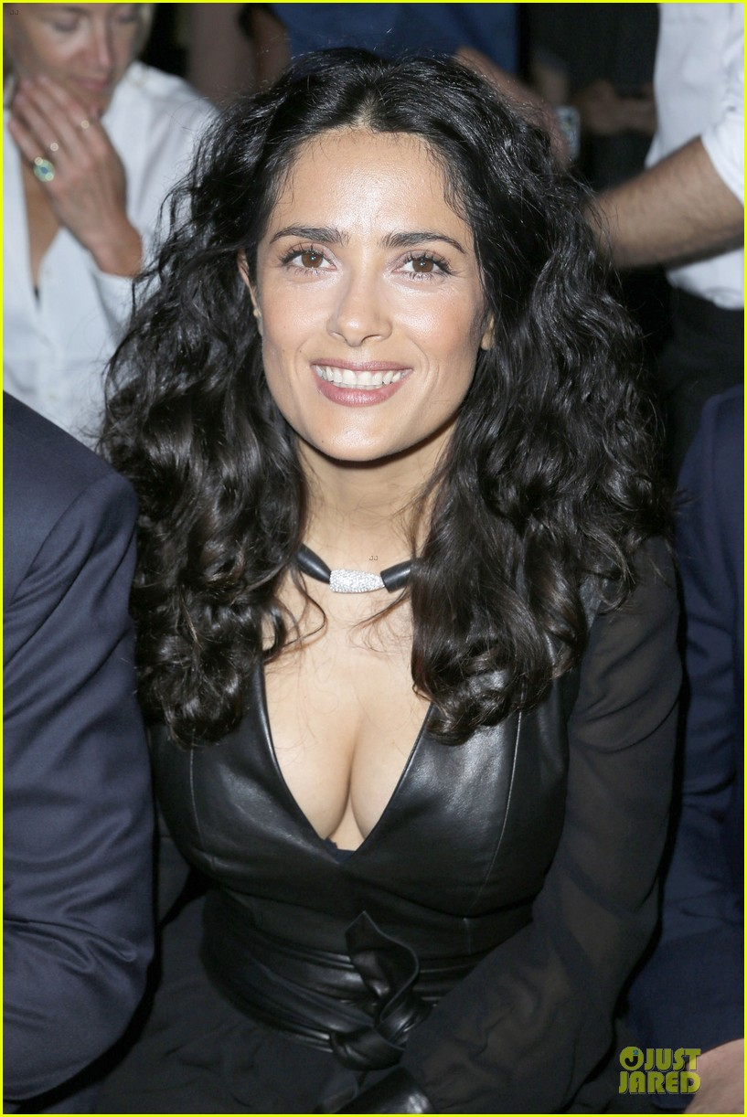 salma hayek francois henri pinault yves saint laurent paris fashion show 06