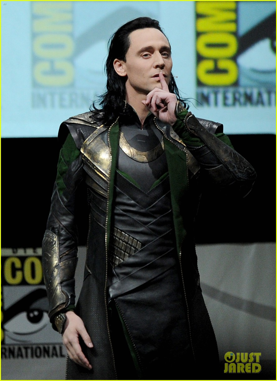 tom hiddleston attends thor comic con panel as loki 042913451