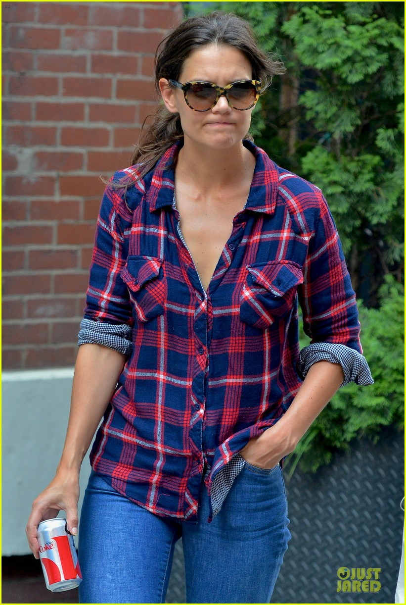 katie holmes short video shoot in the big apple 09