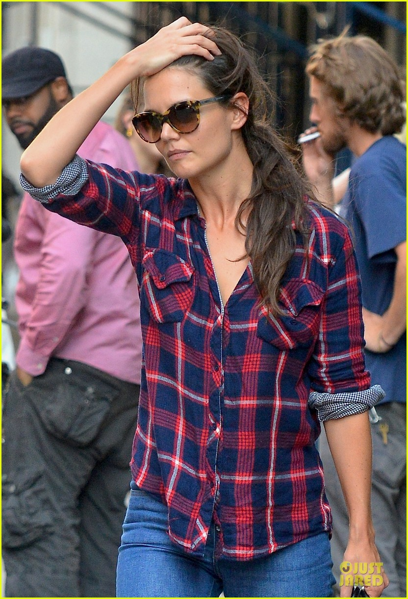 katie holmes short video shoot in the big apple 10