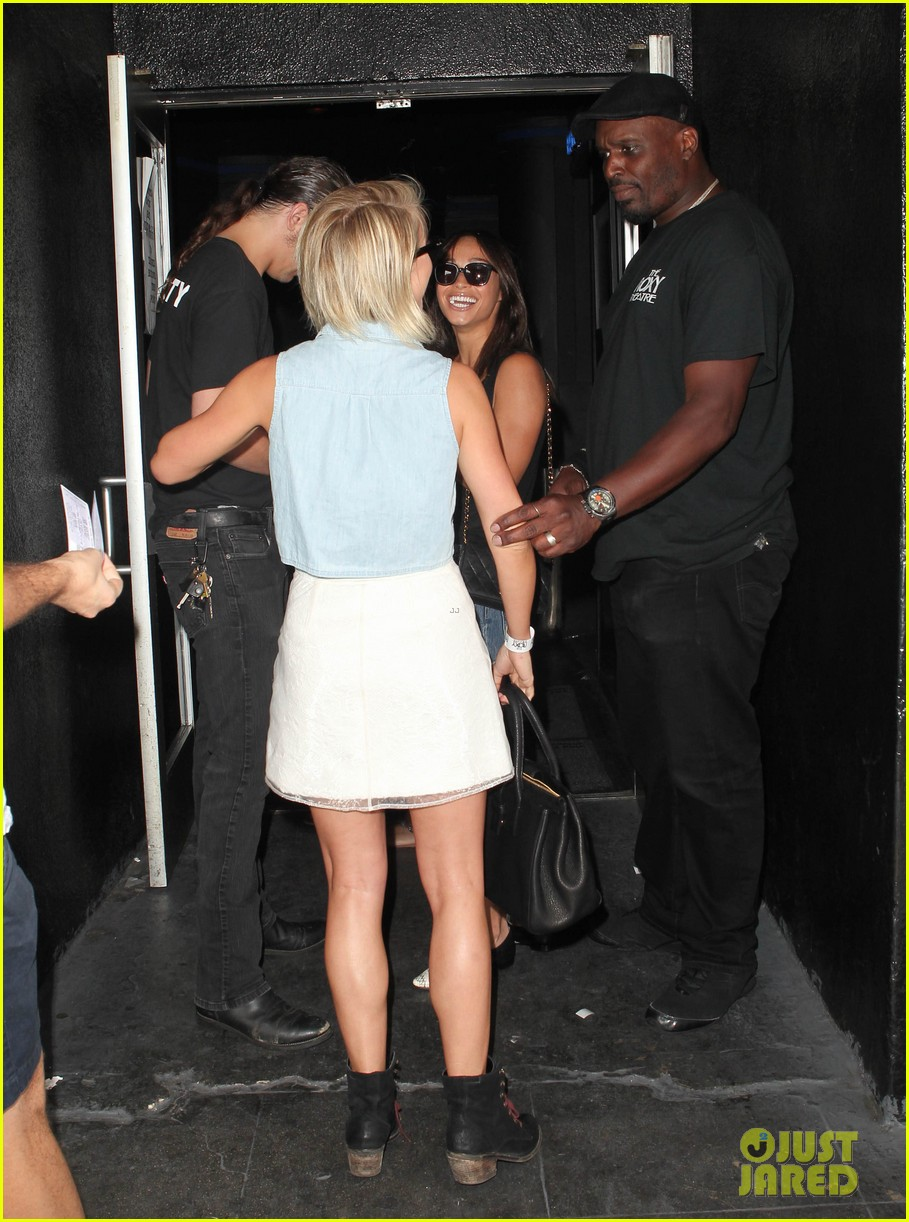 julianne hough ashley benson chord overstreet concert 25