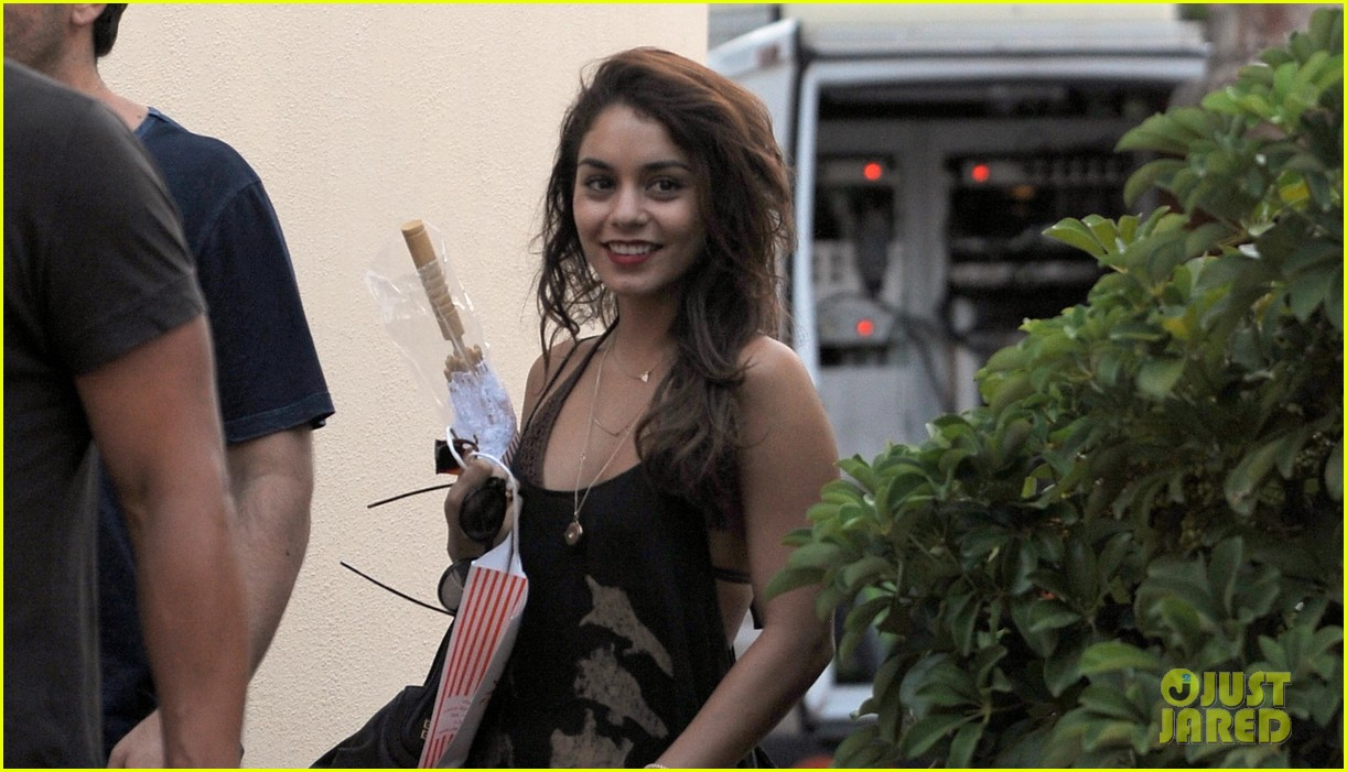 vanessa hudgens arrives in ischia for global film fest 022911564